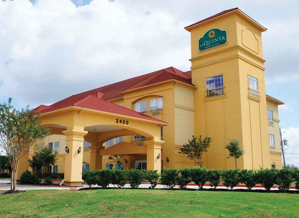 La Quinta Inn & Suites - Angleton, Texas