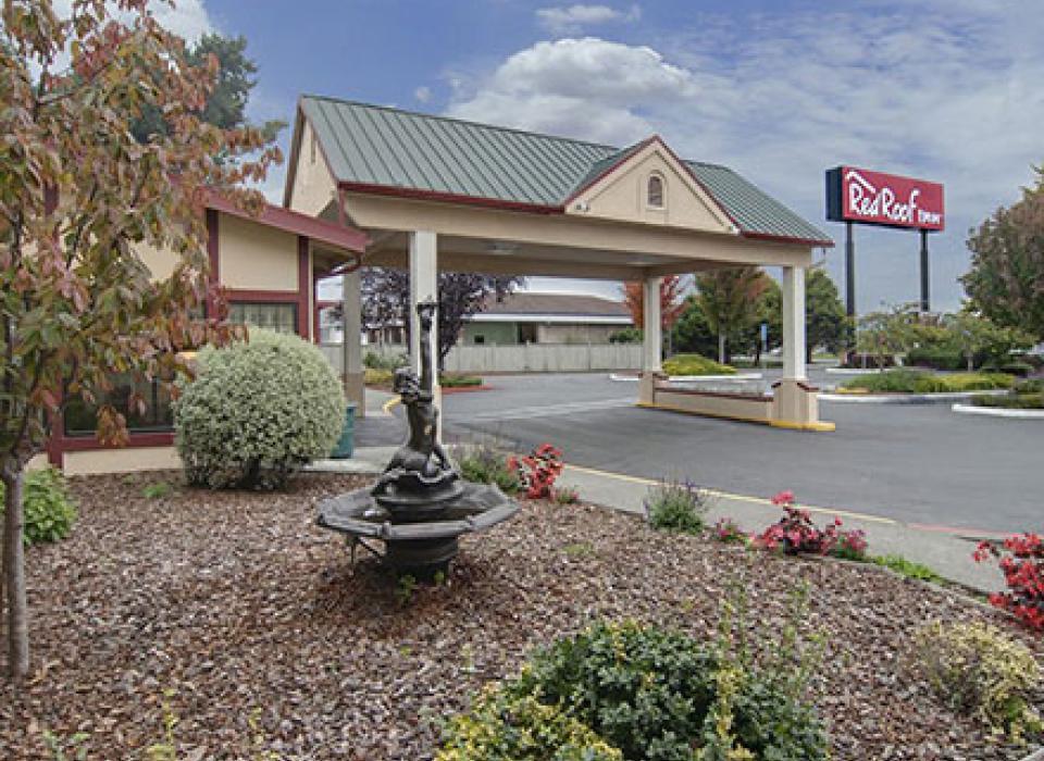 Red Roof Inn - Arcata, California
