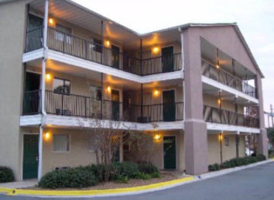 Savannah Suites - Savannah, Georgia